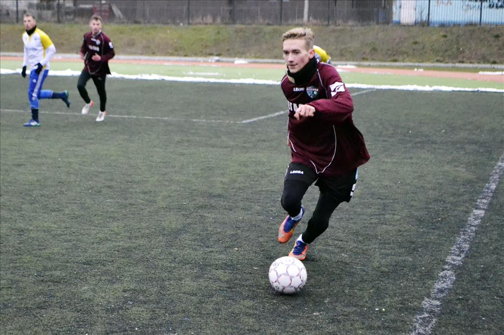 Зимовий Чемпіонат міста з футболу. 1 тур.